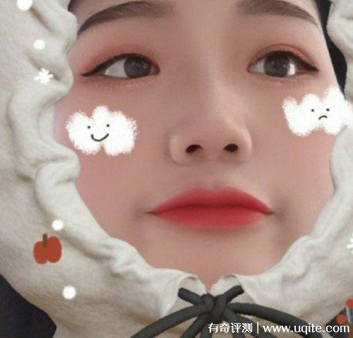 詩卡奴口紅怎麼(me)樣這(zhe)個牌子(zi)好不好,小(xiao)金條(tiao)001試色(se)